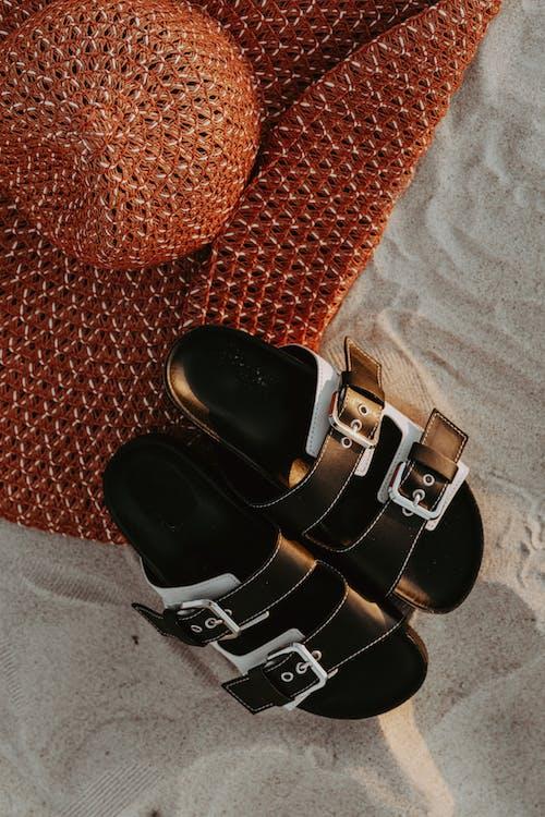 Δωρεάν στοκ φωτογραφιών με αθλητικά παπούτσια, αξεσουάρ, γυαλισμένος