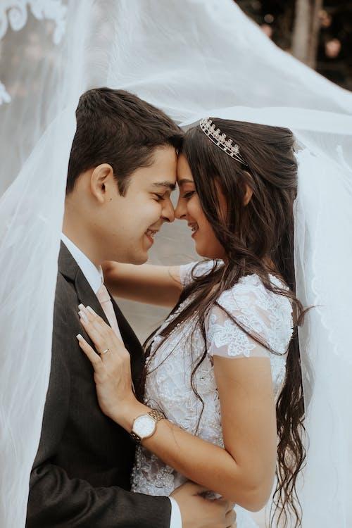 Gratis stockfoto met aantrekkingskracht, affectie, bruid