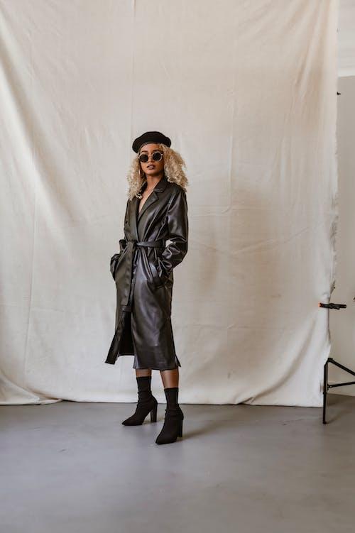 Gratis lagerfoto af baggrund, fashionabel, frakke