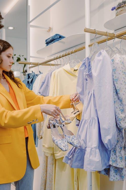 고르는, 드레스, 매달린의 무료 스톡 사진