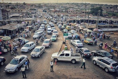 Foto profissional grátis de atraente, automóveis, estrada, estrada congestionada