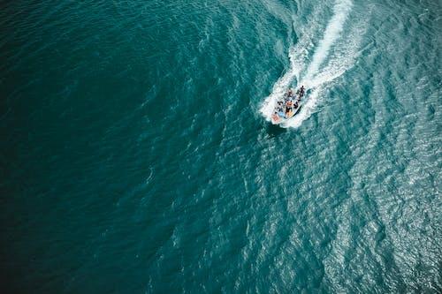 Foto d'estoc gratuïta de aigua, embarcació d'aigua, esbarjo