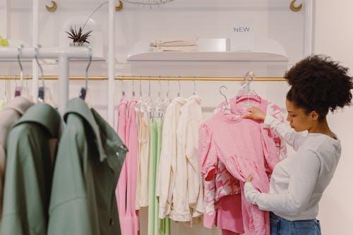 Gratis arkivbilde med butikk, handle, kjole