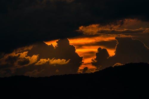 Безкоштовне стокове фото на тему «Буря, вечір, гора»