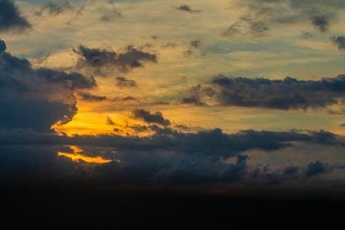 Безкоштовне стокове фото на тему «Буря, вечір, драматичний»