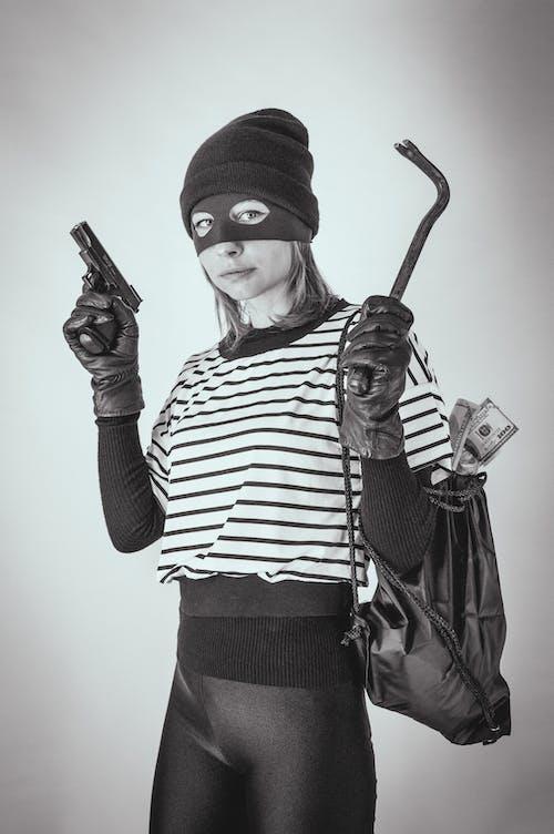 Immagine gratuita di adulto, arma, coperchio