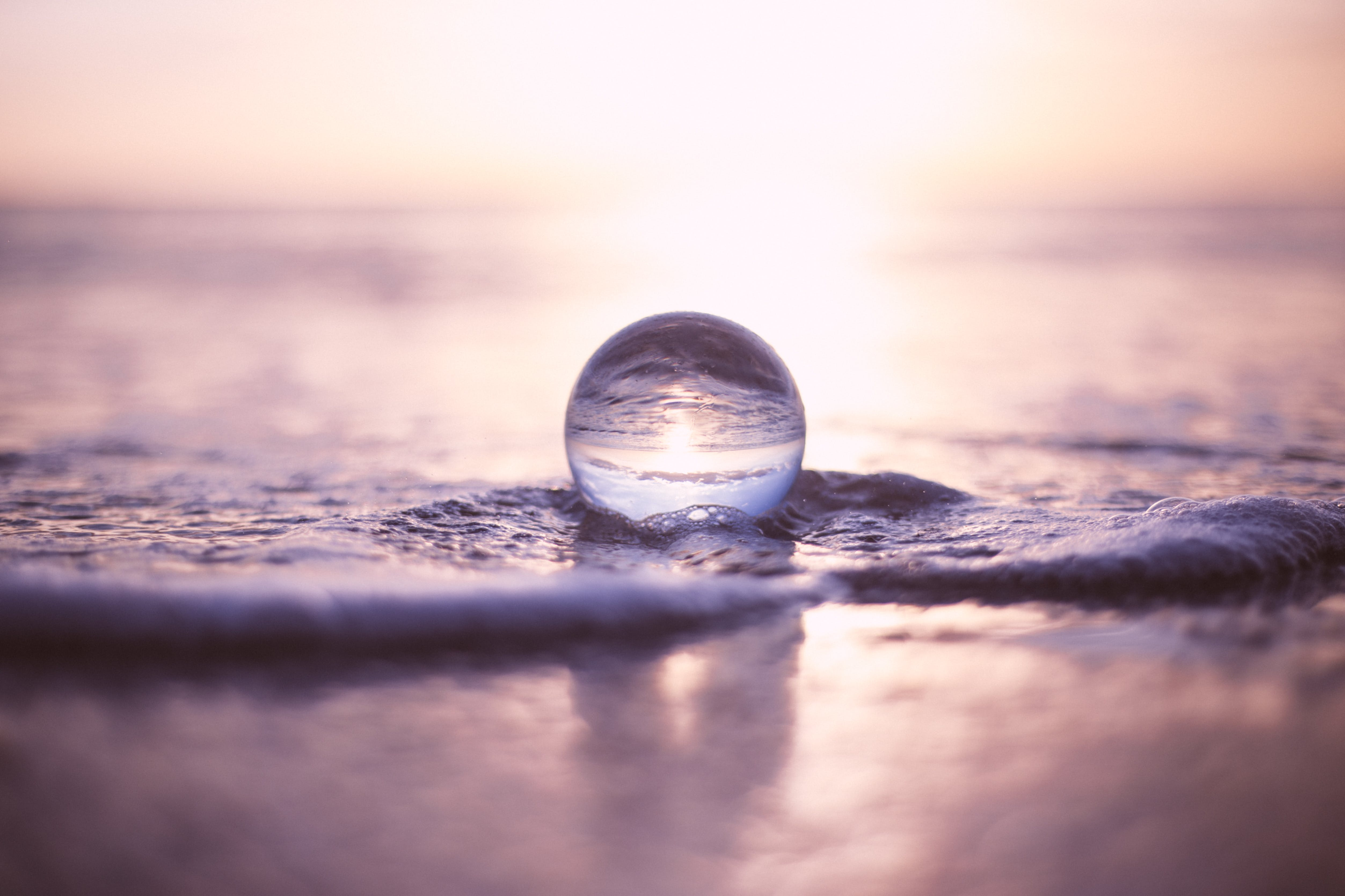 Tilt Shift Lens Photography of Water Droplet