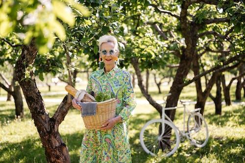 공원, 나무, 미소 짓는의 무료 스톡 사진