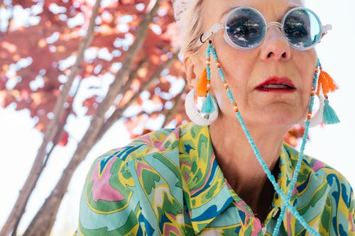 Fotos de stock gratuitas de abuelita, adulto, al aire libre