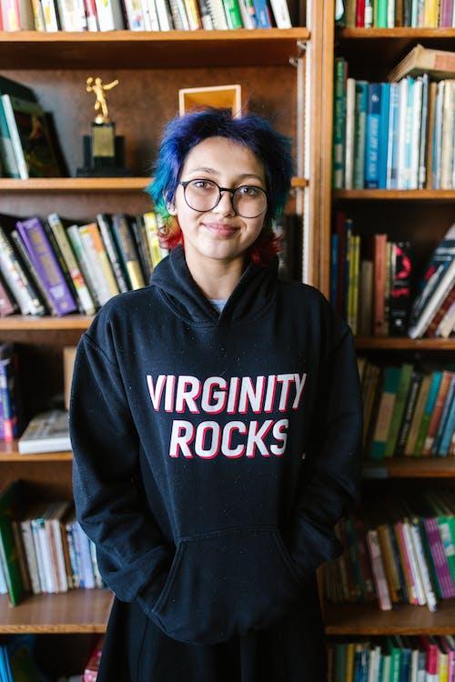 Foto profissional grátis de aluno, antibullying, aprendendo