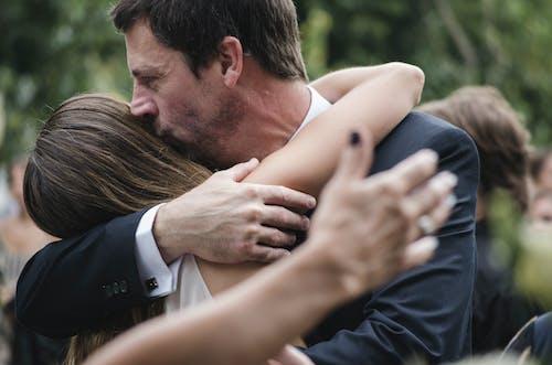 Foto stok gratis anak perempuan, anak wanita, ayah, ayah dan anak perempuan