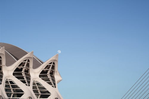 Gratis stockfoto met architectueel design, architectuur, blauw, blauwe lucht