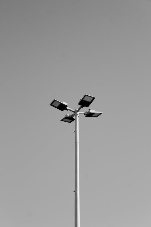 Бесплатное стоковое фото с ветер, высокий, лампа