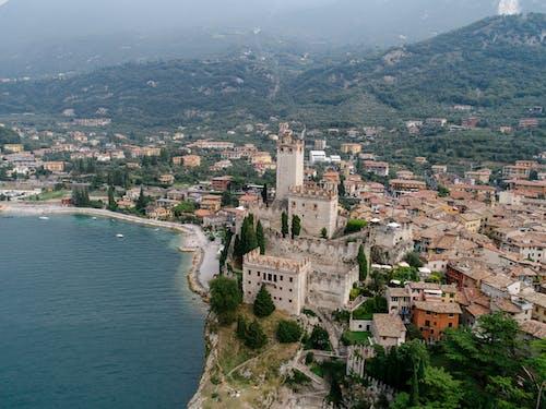 Immagine gratuita di architettura, case, castello