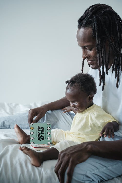 Kostnadsfri bild av afrikansk man, afrikanska barnet, barn