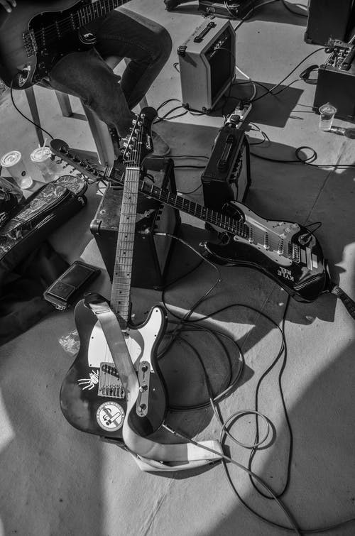 Free stock photo of Ampfiller, black and white, black and white wallpaper, e-guitar