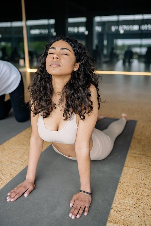 Ilmainen kuvapankkikuva tunnisteilla fitness, Jooga, jooga-luokka