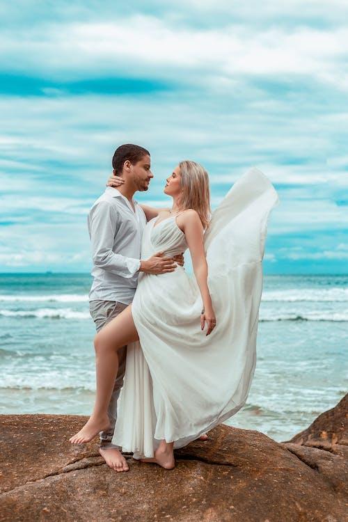 Foto profissional grátis de afeição, água, amor