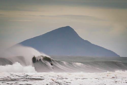 Безкоштовне стокове фото на тему «justaposition, велика хвиля, крапля, після обіду»