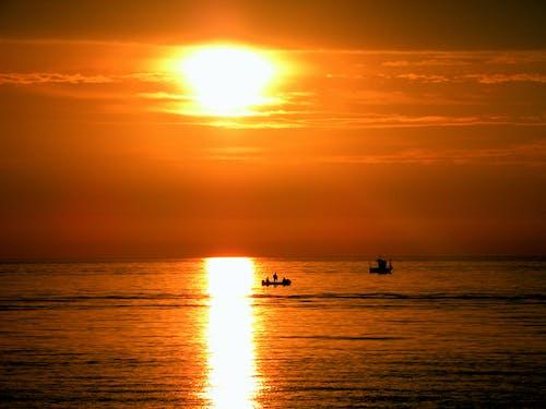 Kostnadsfri bild av båtar, fiskebåt, gyllene sol, hav