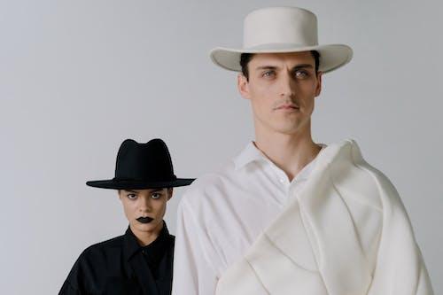 남자, 두 사람, 뚜껑의 무료 스톡 사진