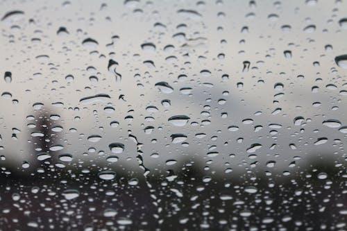 Kostenloses Stock Foto zu fenster, regen, tröpfchen