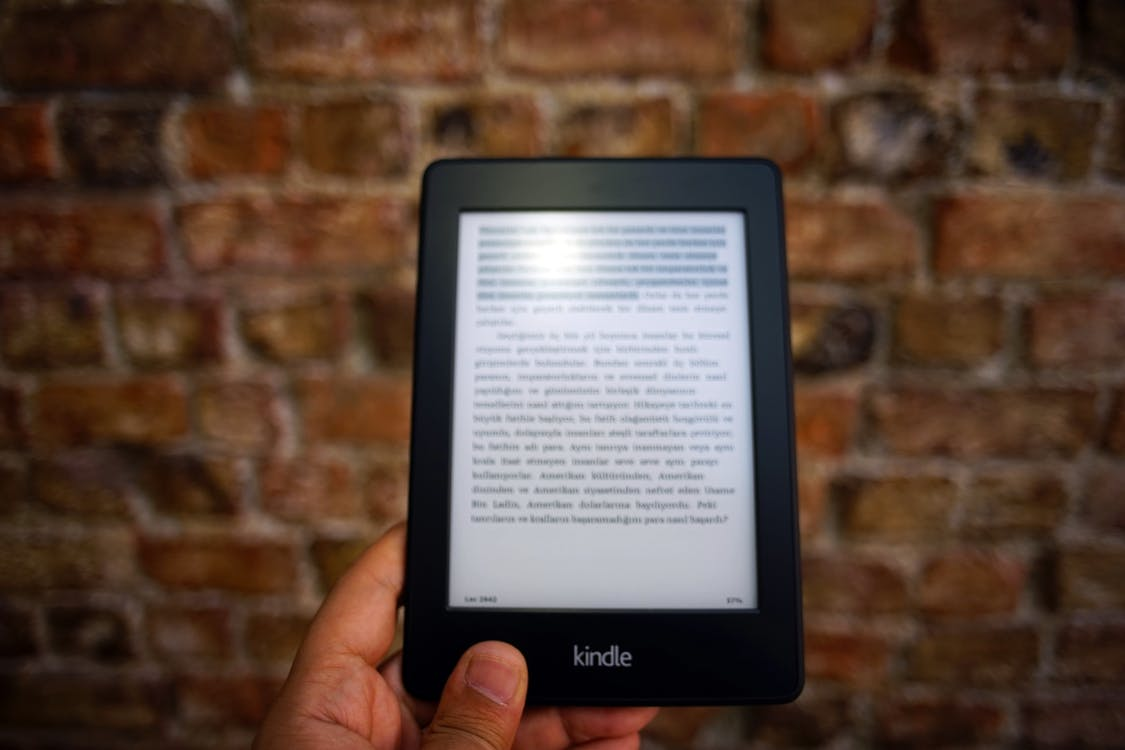 amazon kindle, aygıt, çağdaş