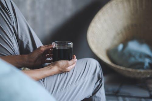 Darmowe zdjęcie z galerii z drink, kawa, kobieta