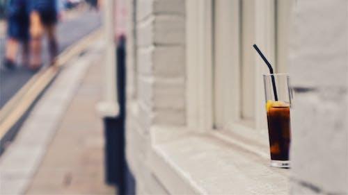 Fotobanka sbezplatnými fotkami na tému longdrink, nápoj, pouličný život