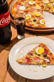 1-piece Sliced Pizza in White Ceramic Plate
