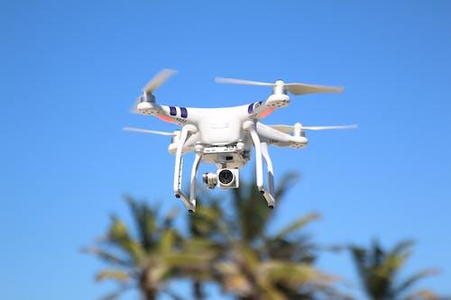 Photos gratuites de caméra drone, contrôleur de drone, drone