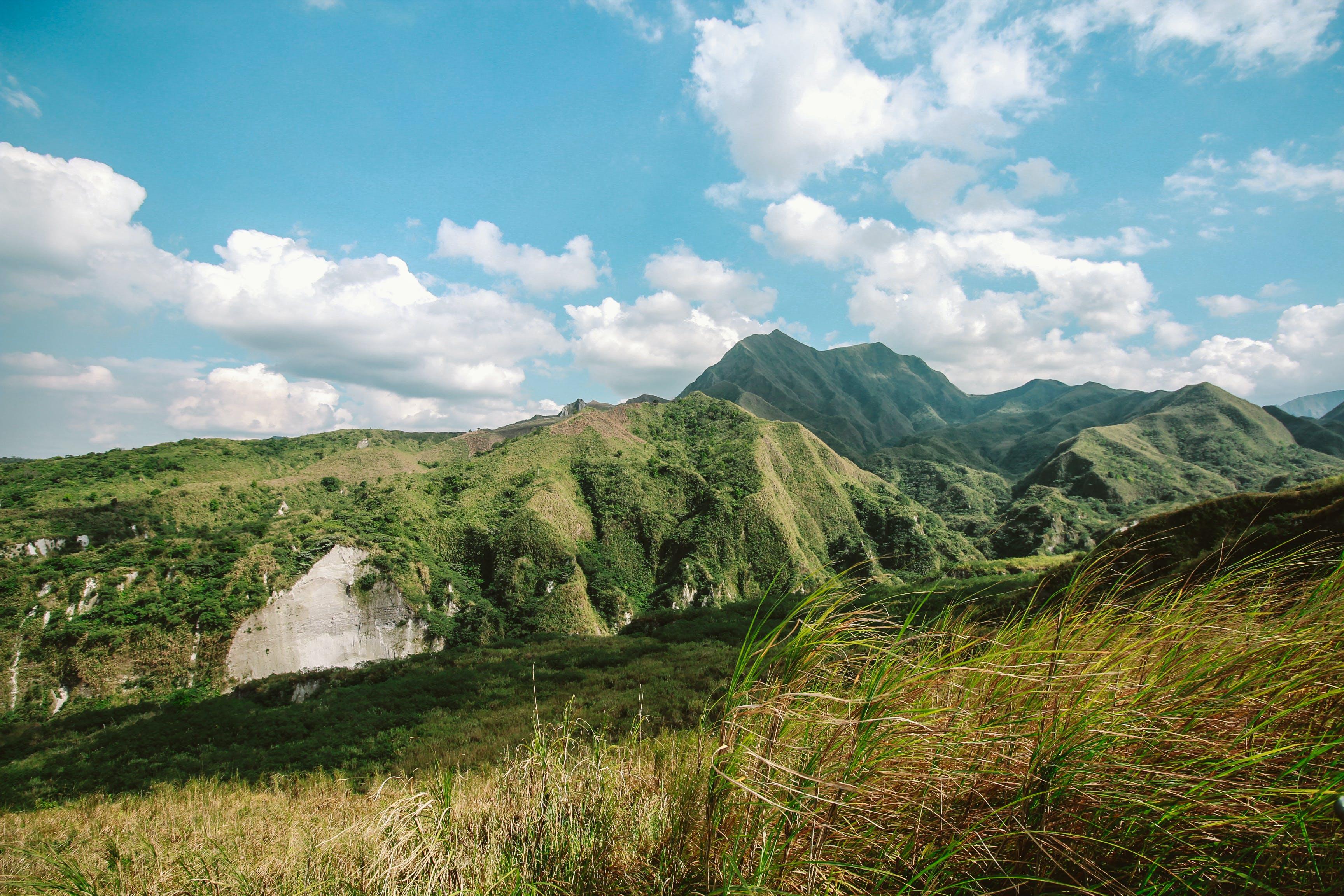 Kostenloses Stock Foto zu berge, friedvoll, gras, himmel
