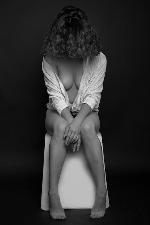 Základová fotografie zdarma na téma čb, černé šaty, černý a bílý