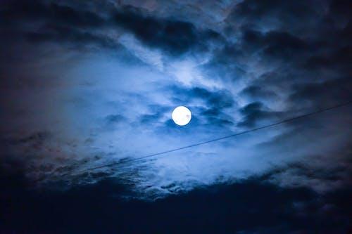 Gratis lagerfoto af blå, blå himmel, fuldmåne, måne