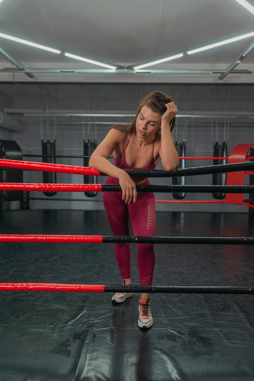 Foto profissional grátis de academia de ginástica, activewear, anel de boxe