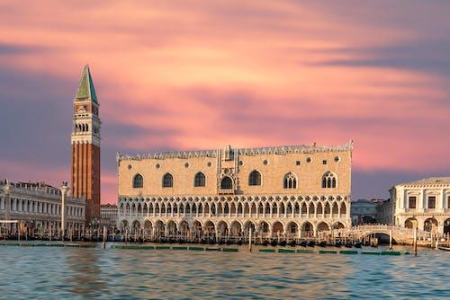 Fotobanka sbezplatnými fotkami na tému architektúra, Benátky, budova, cestovný ruch