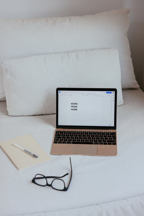 Immagine gratuita di computer, cuscini, laptop