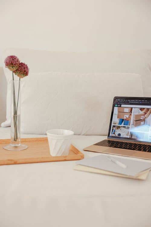 Immagine gratuita di bevanda, computer, cuscini
