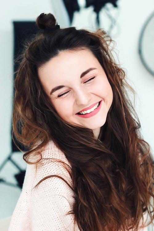Foto profissional grátis de adolescente, alegre, alegria
