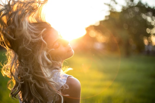 Free stock photo of woman, girl, ray of sunshine, golden sunset