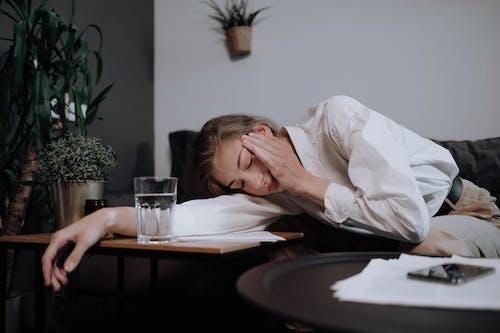 休息, 很累, 白種女人 的 免費圖庫相片