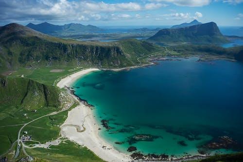 Foto profissional grátis de água, ao ar livre, arquipélago de lofoten