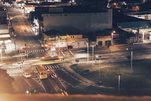 Gratis lagerfoto af asfalt, biler, by