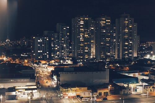 Gratis lagerfoto af by, byens lys, bygning