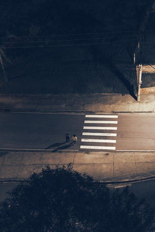Gratis lagerfoto af arkitektur, asfalt, by