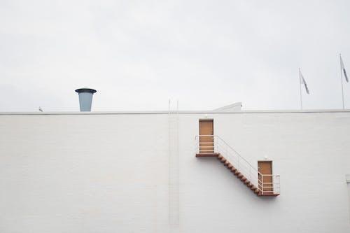 Бесплатное стоковое фото с архитектура, вода, дом