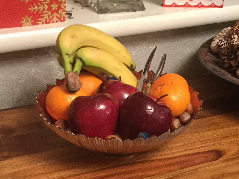 Free stock photo of Christmas fruit bowl