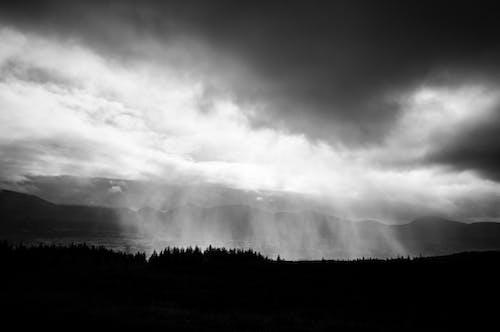 Gratis arkivbilde med natur, skyer, svart-hvitt