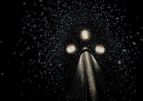 Kostenloses Stock Foto zu beleuchtung, dunkel, flüssig, flüssigkeit