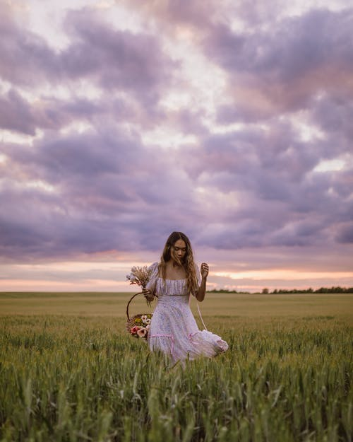 Základová fotografie zdarma na téma asiatka, bezstarostný, bílé šaty